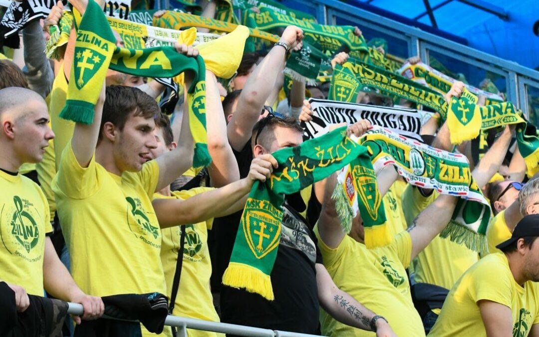 Slovenskí fanúšikovia sa opäť ukážu na futbalových štadiónoch!
