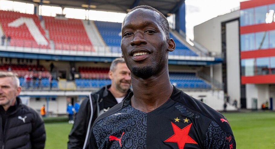 Happyend pro Simu! Senegalská pohádka bude pokračovat v Anglii